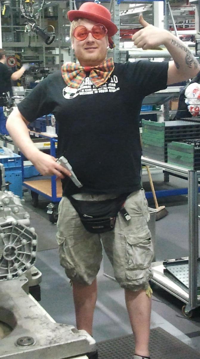 weAsel aka HOoLifAN. at work :)