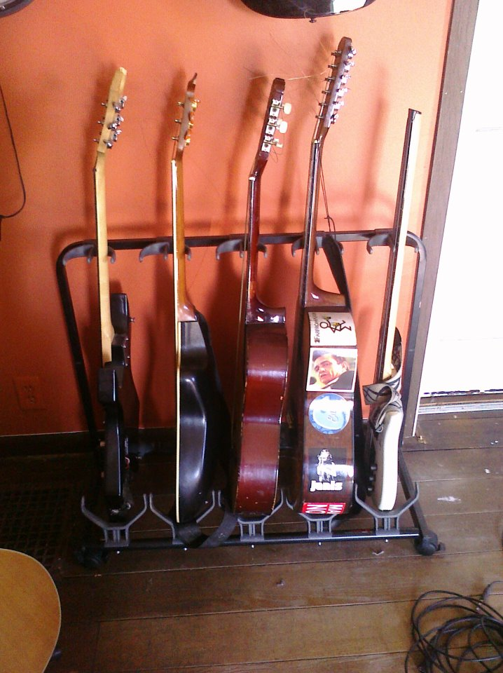 BC rich Warlok, Ovation Celebrity, Roy nclark signature, Alvarez 12-string, Steinberger bass