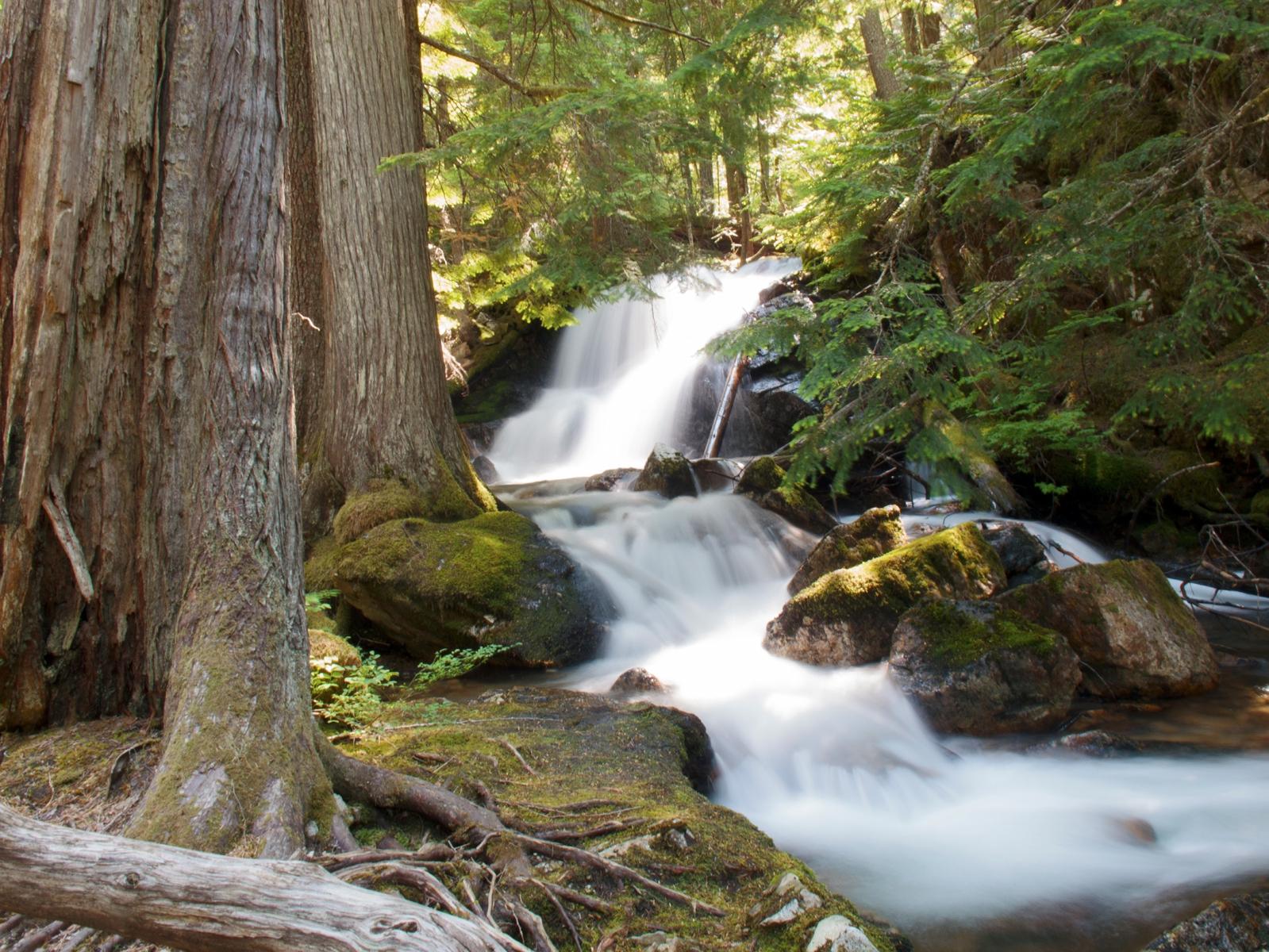 2 second waterfall exposure