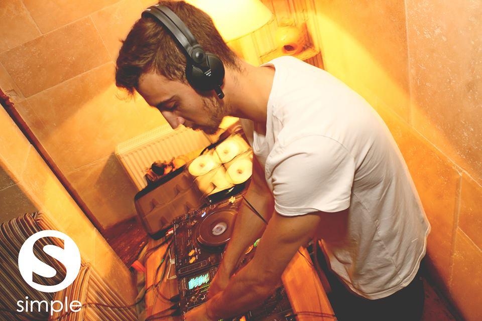 Me DJing